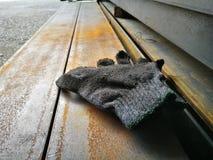 βρώμικο γάντι Στοκ εικόνα με δικαίωμα ελεύθερης χρήσης