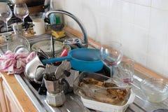 Βρώμικο εργαλείο στην κουζίνα στοκ εικόνες