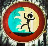 Προειδοποιητικό σημάδι τσουνάμι προσώπων κραυγής flashflood Στοκ εικόνα με δικαίωμα ελεύθερης χρήσης