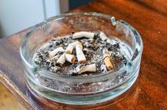 Βρώμικο ashtray Στοκ Φωτογραφία