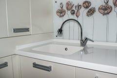 Βυθίστε το νεροχύτη στην κουζίνα Στοκ Εικόνες