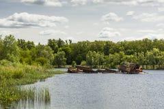 Βυθισμένα σκάφη στο λιμένα του Τσέρνομπιλ Στοκ Φωτογραφίες