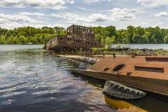 Βυθισμένα σκάφη στο λιμένα του Τσέρνομπιλ Στοκ Εικόνα