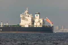 Βυτιοφόρο αργού πετρελαίου σιριτιών Στοκ εικόνα με δικαίωμα ελεύθερης χρήσης
