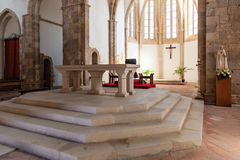 Βωμός και Apse της εκκλησίας της Σάντα Κλάρα Στοκ φωτογραφία με δικαίωμα ελεύθερης χρήσης