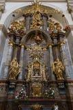 Βωμός στην εκκλησία της κυρίας μας Victorious στην Πράγα Στοκ Φωτογραφία