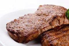 βόειο κρέας που ψήνεται σ& Στοκ Εικόνα