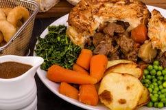 Βόειο κρέας στην ιρλανδική πίτα δυνατής μπύρας Στοκ φωτογραφία με δικαίωμα ελεύθερης χρήσης