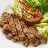 Βόειο κρέας ψητού με τη σάλτσα Ταϊλάνδη σχαρών Στοκ εικόνες με δικαίωμα ελεύθερης χρήσης