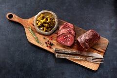 Βόειο κρέας ψητού με το αλάτι και το πιπέρι στοκ φωτογραφία με δικαίωμα ελεύθερης χρήσης