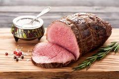Βόειο κρέας ψητού με το δεντρολίβανο Στοκ εικόνες με δικαίωμα ελεύθερης χρήσης