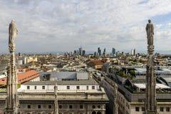 Βόρεια εικονική παράσταση πόλης από τη στέγη καθεδρικών ναών, Μιλάνο, Ιταλία Στοκ εικόνες με δικαίωμα ελεύθερης χρήσης