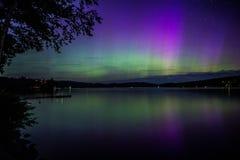 Βόρεια φω'τα στη λίμνη στοκ φωτογραφία με δικαίωμα ελεύθερης χρήσης