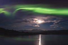 Βόρεια borealis αυγής φω'των στα νησιά Lofoten, Νορβηγία Καταπληκτικό χειμερινό τοπίο νύχτας στοκ φωτογραφία με δικαίωμα ελεύθερης χρήσης