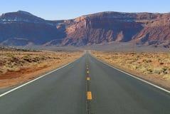 βόρειος δρόμος βουνών της Αριζόνα κατευθείαν Στοκ φωτογραφία με δικαίωμα ελεύθερης χρήσης