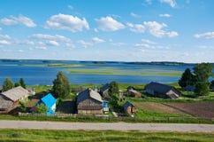 βόρειο ρωσικό χωριό Στοκ εικόνα με δικαίωμα ελεύθερης χρήσης