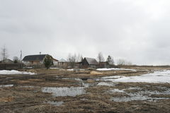 Βόρειο χωριό στην περιοχή του Αρχάγγελσκ Στοκ φωτογραφία με δικαίωμα ελεύθερης χρήσης