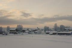 Βόρειο χωριό στη Ρωσία Στοκ εικόνες με δικαίωμα ελεύθερης χρήσης