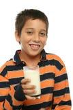 γάλα γυαλιού κατανάλωση στοκ εικόνα με δικαίωμα ελεύθερης χρήσης