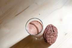 γάλα γυαλιού μπισκότων στοκ εικόνα με δικαίωμα ελεύθερης χρήσης