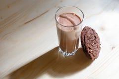 γάλα γυαλιού μπισκότων στοκ φωτογραφία με δικαίωμα ελεύθερης χρήσης