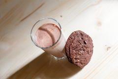 γάλα γυαλιού μπισκότων στοκ φωτογραφίες