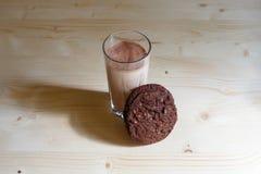 γάλα γυαλιού μπισκότων στοκ φωτογραφία