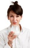 γάλα κοριτσιών γατών mustache Στοκ Εικόνες
