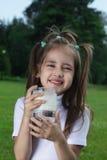 γάλα κοριτσιών στοκ εικόνες