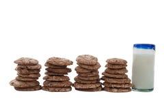 γάλα μπισκότων σοκολάτας τσιπ Στοκ Εικόνες