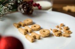 γάλα μπισκότων Τοπ άποψη των μπισκότων και του γάλακτος για Santa μετά από την επίσκεψη santa Στοκ φωτογραφία με δικαίωμα ελεύθερης χρήσης
