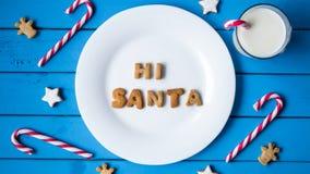 γάλα μπισκότων Τοπ άποψη των μπισκότων και του γάλακτος για Santa Στοκ Φωτογραφίες