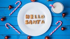 γάλα μπισκότων Τοπ άποψη των μπισκότων και του γάλακτος για Santa Στοκ εικόνες με δικαίωμα ελεύθερης χρήσης