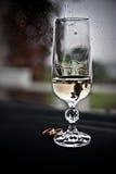 γάμος γυαλιού σαμπάνιας Στοκ φωτογραφία με δικαίωμα ελεύθερης χρήσης