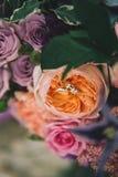 γάμος δαχτυλιδιών λουλουδιών Στοκ φωτογραφίες με δικαίωμα ελεύθερης χρήσης