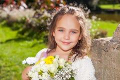 Γάμος - κορίτσι λουλουδιών Στοκ εικόνες με δικαίωμα ελεύθερης χρήσης