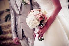 γάμος νεόνυμφων εκκλησιών τελετής νυφών Στοκ Εικόνα