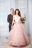 γάμος νεόνυμφων εκκλησιών τελετής νυφών Στοκ φωτογραφία με δικαίωμα ελεύθερης χρήσης
