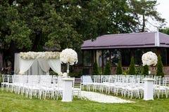 γάμος λουλουδιών τελετής νυφών στοκ εικόνες με δικαίωμα ελεύθερης χρήσης