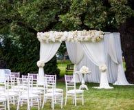γάμος λουλουδιών τελετής νυφών στοκ εικόνα