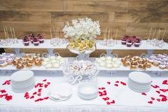 γάμος πρώτου πλάνου εστίασης 3 ανθοδεσμών Λουλούδια νυφών ` s Στοκ Εικόνες