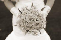 γάμος πρώτου πλάνου εστίασης 3 ανθοδεσμών Σέπια Στοκ εικόνα με δικαίωμα ελεύθερης χρήσης