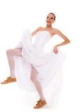 γάμος Τρέχοντας αστεία γυναίκα νυφών στα αθλητικά παπούτσια Στοκ εικόνα με δικαίωμα ελεύθερης χρήσης