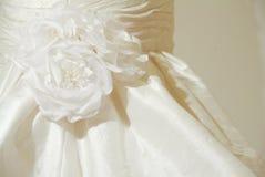 γάμος φορεμάτων λεπτομέρ&epsi Στοκ φωτογραφία με δικαίωμα ελεύθερης χρήσης