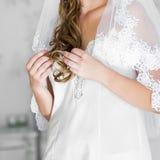 Γάμος χεριών νύφης Στοκ Εικόνες