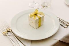 Γάμος Bonbonniere στο πιάτο Στοκ εικόνα με δικαίωμα ελεύθερης χρήσης