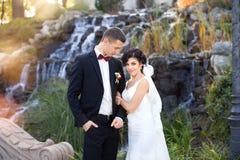 Γάμος copule όμορφος νεόνυμφος νυφών Ακριβώς κλείστε επάνω Στοκ εικόνες με δικαίωμα ελεύθερης χρήσης