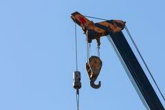 Γάντζος της κατασκευής γερανών μηχανημάτων Στοκ Φωτογραφίες