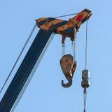 Γάντζος της κατασκευής γερανών μηχανημάτων Στοκ εικόνες με δικαίωμα ελεύθερης χρήσης