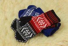 γάντια Δύο ζευγάρια είναι σε έναν ελαφρύ mech Στοκ εικόνα με δικαίωμα ελεύθερης χρήσης